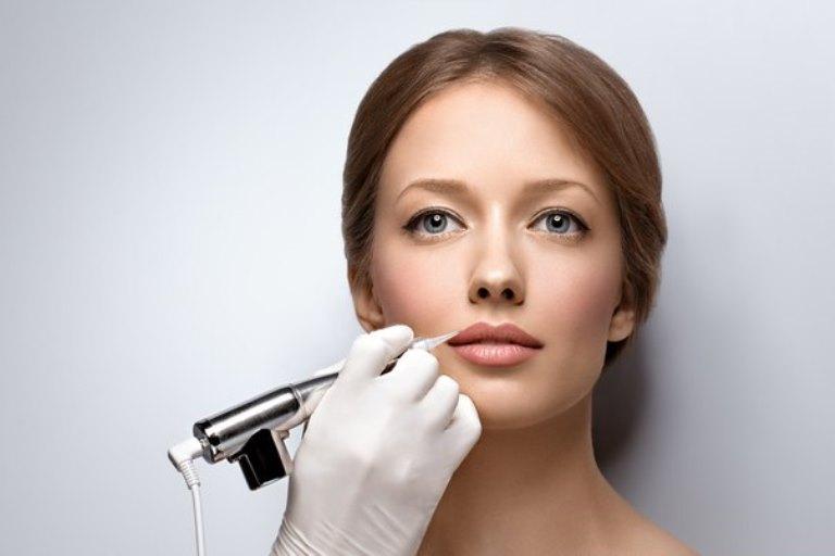 Перманентного макияж: кому доверить работу?