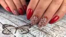 Маникюр в красном цвете с дизайном – это настоящая классика, которая всегда в тренде